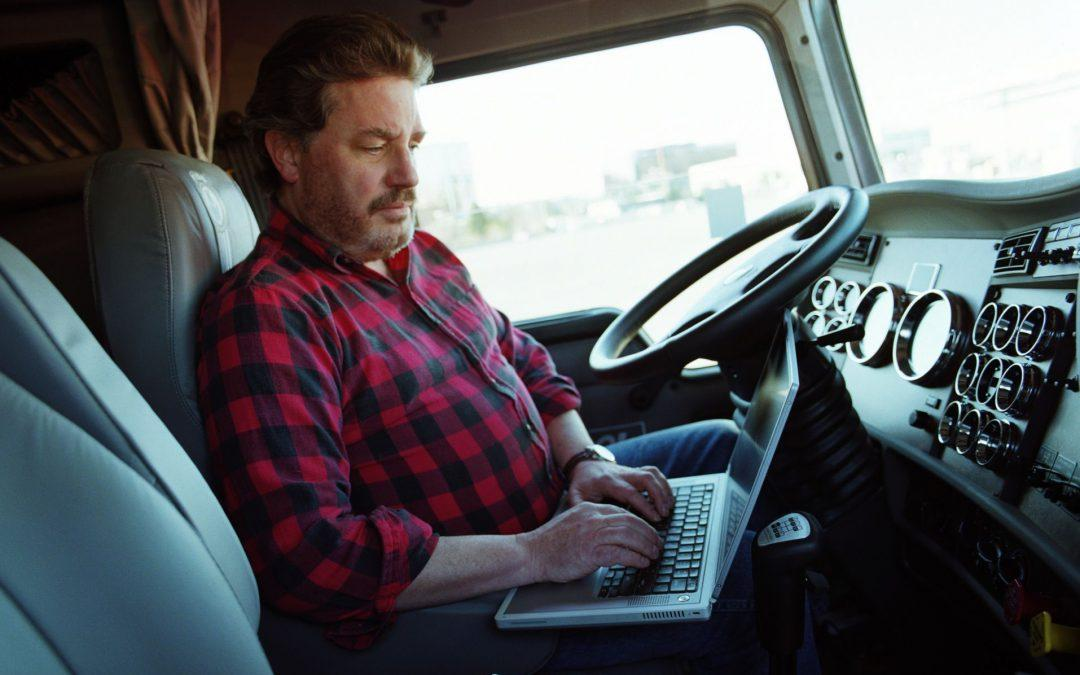 10 Tips To Finding A Truck Driver Job Online